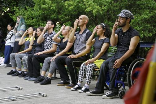 """2bc00b8e8 Artigos/ mídia / imprensa e a Dança sem Fronteiras. """""""